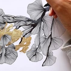 Work in progress …. Alcohol Ink Painting, Alcohol Ink Art, Illustration Art, Illustrations, Motif Floral, Watercolor And Ink, Art Techniques, Painting & Drawing, Gold Drawing