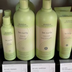 Shampoo Gentle cleansing enhances curl, combats frizz and boosts shine on curly or wavy hair.  part of our 4-step curl perfecting system that dramatically reduces frizz and defines curl up to 57%* wheat protein and organic aloe blend expands when hair is wet and retracts when dry to enhance curl or wave a refreshing citrus aroma with certified organic lime, lemon, bergamot, orange and other pure plant and flower essences.