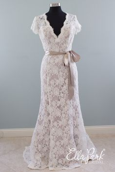 Jacquelin Exclusive 9532 | Available at Ella Park Bridal, Newburgh, IN | 812.853.1800 www.EllaParkBridal.com