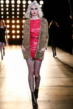 See the complete Saint Laurent Fall 2015 Ready-to-Wear collection.