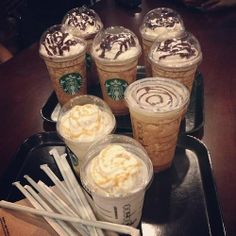 This about sums up with the squad goes to Starbucks. SORRY Starbucks! Comida Do Starbucks, Café Starbucks, Bebidas Do Starbucks, Yummy Drinks, Yummy Food, Food Goals, Aesthetic Food, Food Cravings, I Love Food