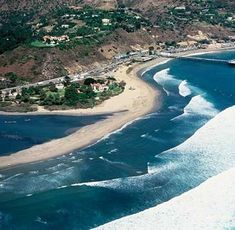 Los Angeles Beaches are spread out over a large coastline in the Pacific Ocean. We'll talk about the Romantic Beach El Matador, The Surfers' Beach Malibu Surfrider Beach, Malibu Beaches, Romantic Beach, Los Angeles Area, Pacific Ocean, Surfing, Destinations, Swimming, California, River