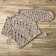 Discover thousands of images about My Precious Trui van ByKaterina - Freubelweb :Freubelweb Pull Crochet, Gilet Crochet, Crochet Jacket, Crochet Cardigan, Love Crochet, Crochet Baby, Knit Crochet, Crochet Sweaters, Crochet Granny