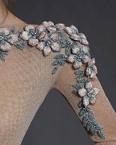 ^ This one is so gorgeous with the dimensional flowers and beaded leaves. I'd love to try this out on something really special. Bead Embroidery Patterns, Tambour Embroidery, Couture Embroidery, Embroidery Fashion, Hand Embroidery Designs, Embroidery Dress, Couture Details, Fashion Details, Diy Fashion
