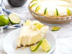 No Bake Key Lime Pie is a delicious, easy summer dessert made with only a few, simple ingredients! An easy-to-prep NO-BAKE lime cake recipe that is perfect for when you just CANNOT turn your oven on in the summertime. Homemade Key Lime Pie Recipe, Key Lime Pie Recipe No Bake, Lime Cake Recipe, Keylime Pie Recipe, Lime Recipes, Cream Pie Recipes, Yummy Recipes, Yummy Food, Recipes