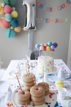 Happy Birthday Carlo. Ein erster Geburtstag mit Karotten-Cheesecake Törtchen und viel Farbe! | Törtchenzeit