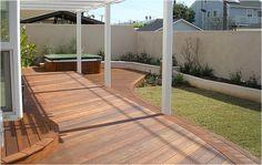 #Deck de madera en exterior.