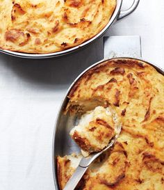 Make-ahead mashed potatoes? Yes. Thinking of subbing chopped garlic & fresh herbs for the horseradish. {Whipped Potatoes with Horseradish, via Bon Appetit}