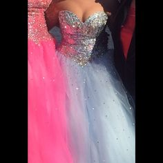 Prom dress Corset back, can fit sizes 6-10. Worn once, I absolutely loved this dress! Will fit someone up to 5'5 or 5'6 Sherri Hill Dresses Strapless