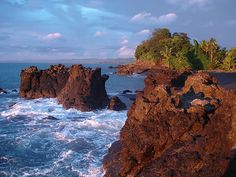 Piedras en el mar, Chocó (Región de la Costa Pacífica) , Colombia.