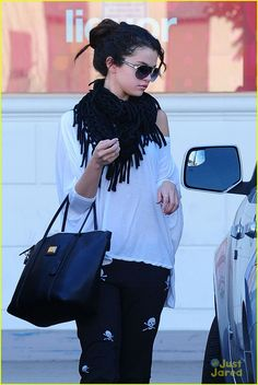 Selena Gomez casual