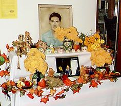 Day of the Dead Altars - great little blog post explaining the symbolism of these altars