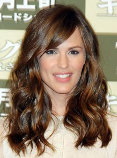 Forehead Bangs Square Face | Oval Face Shape: same width forehead as lower face with symmetrical ...