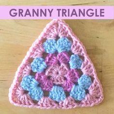Free crochet pattern - Granny Triangle #CrochetGrannySquarePattern