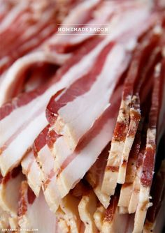 Learn how to turn pork belly into homemade bacon. This method doesn't even require a smoker. This step by step tutorial of how to make homemade bacon with flavorful seasonings in your oven is not only delicious but amazingly easy. Pork Recipes, Cooking Recipes, Bacon Recipes Homemade, Burger Recipes, Wie Macht Man, Charcuterie, Pork Dishes, Smoking Meat, Pork Belly