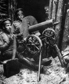 Russian machine gun team near Brest-Litovsk, 1915