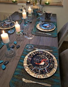 Vaateviidakko: Hauska tuunattu juhlakattaus Handmade Decorations, Table Decorations, Reuse, Diy Furniture, Recycling, Table Settings, Interiors, Home Decor, Decoration Home