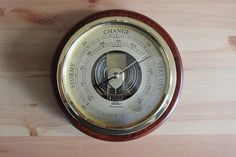 Fair or Foul? How to Use a Barometer to Forecast the Weather  #wx