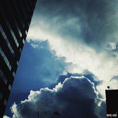 風が ピューピューないてる 水曜日 いつかの冬空で もにもに  今日も まだいい感じに 寒いみたいやし テンションあがるわー   by mon_ami_2000