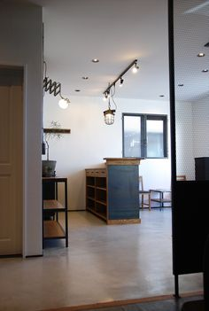 shop design hiro Salon Design, Studio Design, Coffee Shop, Interior, Room, Shopping, Furniture, Home Decor, Beauty Bar