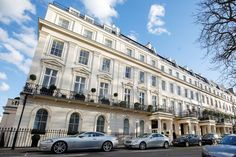 London mega-mansion sells for million nine years after it first listed - Best Image Portal London Mansion, Eaton Square, Mews House, Mega Mansions, Cinema Room, Expensive Houses, Property Development, Grand Entrance, Buckingham Palace