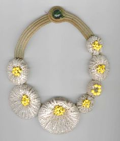 Haskell white glass bead flowers necklace.jpg (545×640)