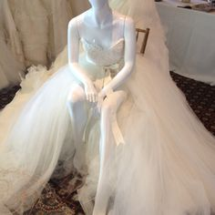 Short and long tie off lazaro gown