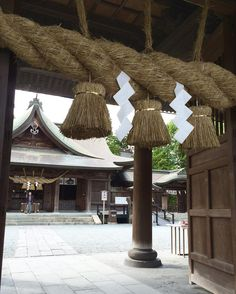 去年の10月に阿蘇へ行って参拝をしていた阿蘇神社 全壊と聞いて本当にショックが大っきかったです  早く地震がおさまりますように #熊本#阿蘇 by miya.okalove