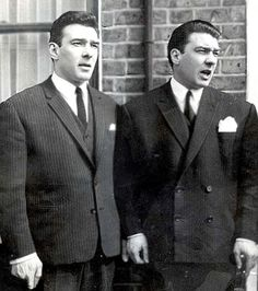 The Krays (twins, Ronnie and Reggie) 2 British killers. a movie called The Krays, was released, in the with Jeremy Irons playing both parts. Old London, East London, Mafia, The Krays, Real Gangster, Twin Photos, Al Capone, Criminology, Twin Brothers
