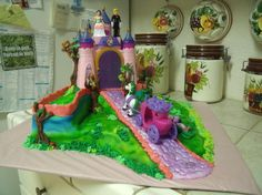 You have to see Fairy Tale Castle Cake by Kizer cakes!