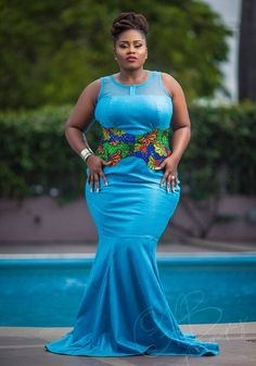 Look at this Stylish modern african fashion African Attire, African Wear, African Women, African Dress, African Print Fashion, Africa Fashion, African Prints, Curvy Fashion Plus Size, Style Africain