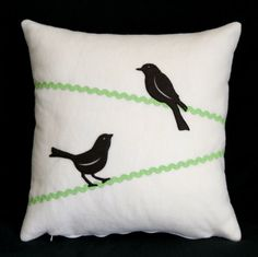 Pillows Shoda Shoda Chase and Creswell Creswell Candileri we are making these with orange rick rack for halloween. get excited. Sewing Pillows, Diy Pillows, Decorative Pillows, Throw Pillows, Felt Pillow, Bird Pillow, Fabric Crafts, Sewing Crafts, Sewing Projects
