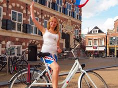 Op de website vind u alle informatie over dé Elfstedentocht, dé Elfstedenroute en dé Elfsteden van Friesland