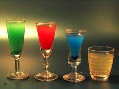 Bueno este post esta dedicado a las personas taringueras que les guste experimentar y degustar nuevos y distintos sabores de licor...   Sin más que agregar aqui las recetas....