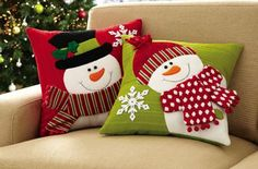 Set of 2 Holiday Snowman Accent Pillow Covers from Collections Etc. Snowman Crafts, Christmas Projects, Holiday Crafts, Christmas Makes, Noel Christmas, Christmas Ornaments, Christmas Cushions, Christmas Pillow, Chat Origami