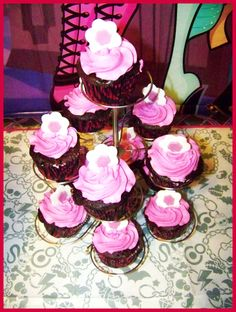 Monster High Party for my niece 7th birthday #monsterhigh #birthday #cupcakes