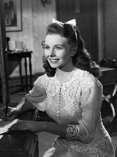 Jeanne Crain in You Were Meant for Me, 1948 Vintage Hollywood, Old Hollywood Glamour, Golden Age Of Hollywood, Hollywood Stars, Classic Hollywood, Old Hollywood Actresses, Old Hollywood Movies, Actors & Actresses, Classic Actresses