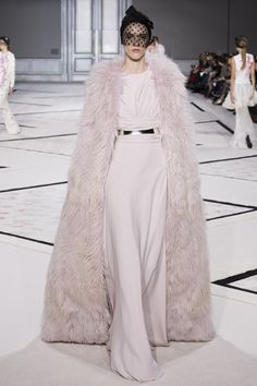 Giambattista Valli Spring 2015 Couture. That Cape is everything. And the cut of the dress is perfect.