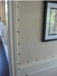 ** Love in on a headboard and footboard. or Burlap Wallpaper with nailhead trim. This might be an inexpensive wall covering for the attic bedroom. Weekend Projects, Home Projects, Burlap Projects, Alpillera Ideas, Fabric Wallpaper, Textured Wallpaper, Grass Cloth Wallpaper, Wallpaper For Walls, Diy Home