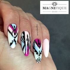 Aztec nail Design nails Wzorki azteckie na paznokciach. Sieh dir dieses Instagram-Foto von @magnifique_studio_nails an • Gefällt 30 Mal