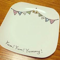 真っ白な食器に好きに描くだけ♡らくやきマーカーで食器をDIY! | ギャザリー