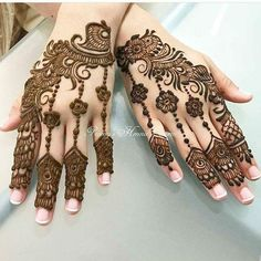 1000 Simple and Easy Henna Tattoo Designs for Brides on Wedding. Latest collection henna tattoo designs with various pattern and style for brides on wedding Stylish Mehndi Designs, Beautiful Mehndi Design, Best Mehndi Designs, Henna Tattoo Designs, Henna Tattoos, Hena Designs, Feather Tattoos, Mehndi Design Pictures, Mehndi Images