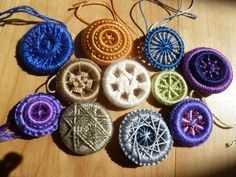 Heirloom buttons class at https://folkschool.org/index.php
