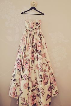 floral wedding dress @weddingchicks