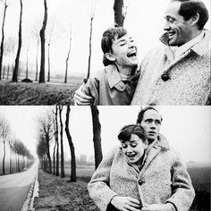 C'est en 1953 qu'Audrey Hepburn rencontre l'acteur réalisateur américain Mel Ferrer lors d'une soirée organisée par Gregory Peck. Il est de 12 ans son aîné et a déjà été marié trois fois, dont deux fois avec la même femme. Ils se marient l'année suivante. Déjà père de 4 enfants, Audrey lui donnera un fils,en 1960, Sean.