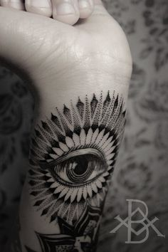 mandala eye tattoo blackwork - Buscar con Google