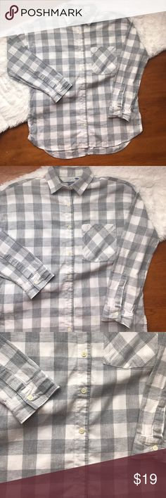 ON Plaid Flannel Shirt Boyfriend fit. Grey and off white. Front pocket Old Navy Tops Button Down Shirts