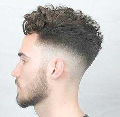 #Männer Frisuren Frisur-Ideen für Männer mit Lockigem Haar  #MännlicheFrisuren #Männliche #Frisuren #frisur #Mann #HairStyles #Haar #Stlye #best #neu #2018 #haarmodelle #herrenFrisuren #Neueste #Männer#Frisur-Ideen #für #Männer #mit #Lockigem #Haar