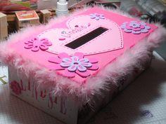 Lindsie's+Valentine+Box.jpg (image)