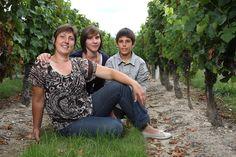 Portes ouvertes au domaine de Nathalie OMASSON du 9 au 15 mai. Bienvenue sur mon domaine viticole. Femme vigneronne, je cultive et vinifie avec toute ma passion et ma sensibilité. Venez me rendre visite, je vous ferai découvrir comment une femme peut tomber amoureuse de ce métier. Après cette petite visite, nous dégusterons ensemble le fruit de mon travail. Touraine Loire Valley, France